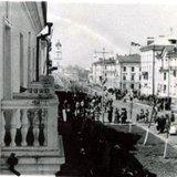 Проспект Мира (фото со 2-го этажа д. 16, Первомай 1950-х?)