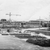 Строительство здания администрации (со стороны сквера)