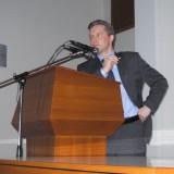 Валерий Димитров выступает перед собравшимися